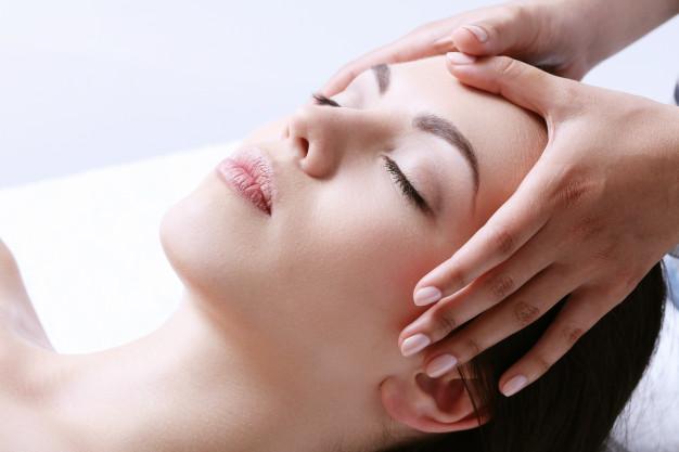 Reflexología facial, una técnica de autocuración